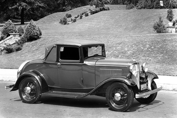 1932-Ford-B-50-V8-Deluxe-Sport-Coupe-.jpg