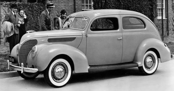 Video: Introducing the 1938 Ford DeLuxe | Mac's Motor City Garage