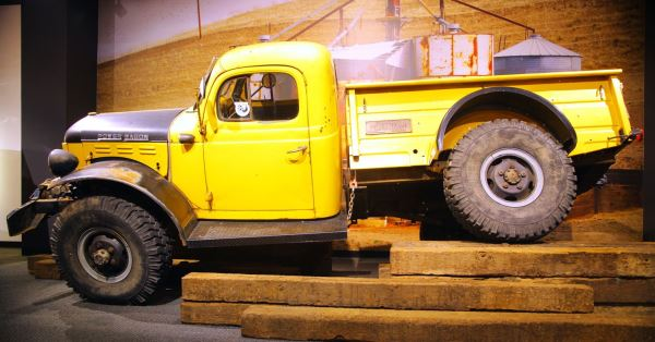1953-Dodge-Power-Wagon-Willock-Petersen-